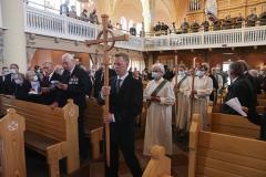 Ristisaatto saapuu Raahen kirkkoon