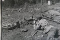 Ampumaharjoittelua-pikakiväärillä